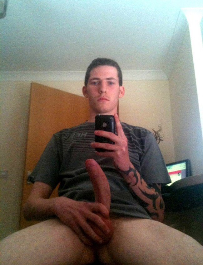 Nice Guy Sitting And Jerking His Dick Off - Nude Men Selfies
