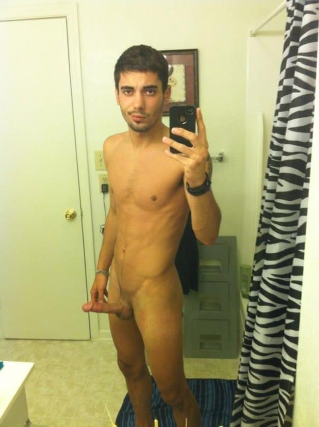 Nice Bearded Fella Showing His Erection - Nude Men Selfies